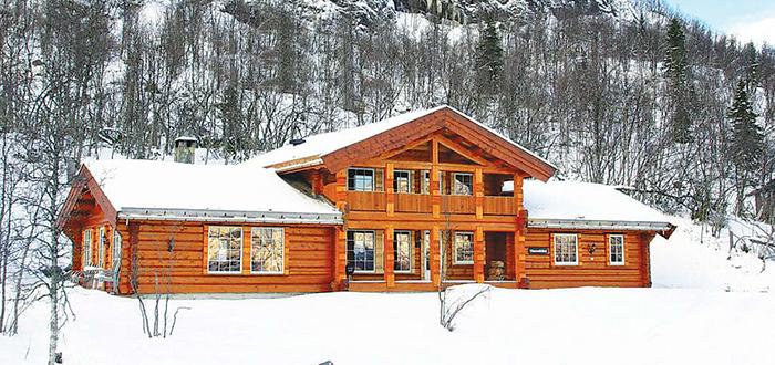 PANORAMAUTSIKT: Denne hytta i Hemsedal er nå på listen over Europas 100 mest unike ferieboliger. (Foto: Novasol)