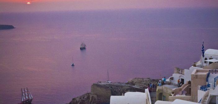 De greske øyer – som Santorini – er fortsatt Apollos store salgsvinner. (Foto: Bjørn Moholdt)
