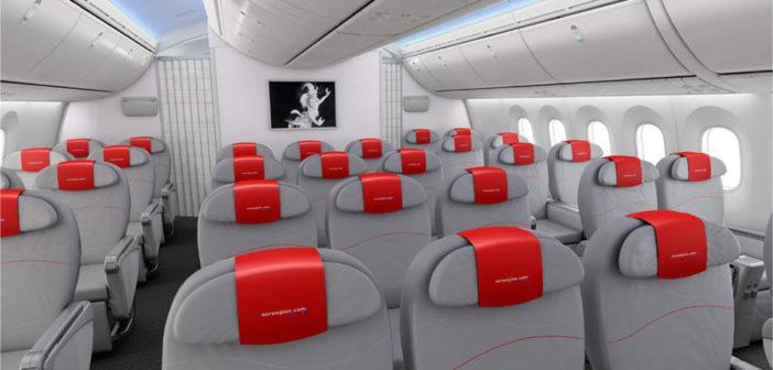 Norwegian får ni nye Dreamlinere dette året. Flere av disse med flere seter settes nå inn i den europeiske sommertrafikken.