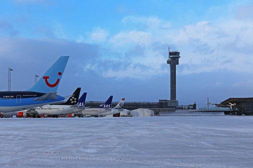 Halvparten av all flytrafikken i Norge går over Oslo lufthavn Gardermoen.