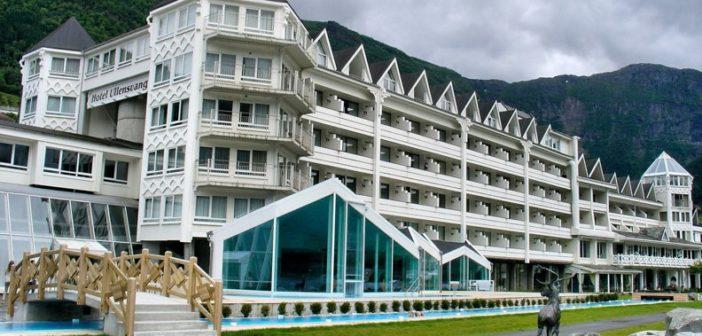 Ledelsen ved Lofthus Hotel Ullensvang dropper nå de internasjonale, nettbaserte hotellbooking-selskapene.
