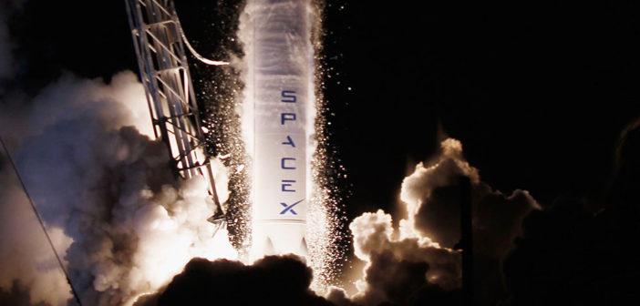 I løpet av 2018 håper romselskapet Space X å sende to privatpersoner rundt månen.