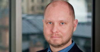 Företagarnas sjefsøkonom Daniel Wiberg er sterkt kritisk til den svenske regjeringens forslag om flyskatt.